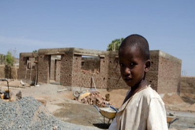 &#83&#117&#112&#112&#111&#114&#116&#105&#110&#103&#32&#70&#97&#109&#105&#108&#105&#101&#115&#32&#105&#110&#32&#80&#111&#115&#116&#45&#67&#111&#110&#102&#108&#105&#99&#116&#32&#83&#117&#100&#97&#110