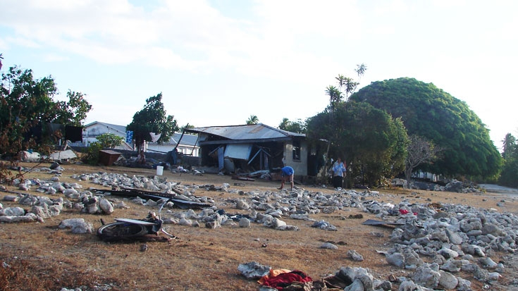the samoa tonga tsunami Magnitudes 80 and 79 and a subsequent tsunami struck the samoan islands  and tonga (beavan et al, 2010 lay et al, 2010) after the event.