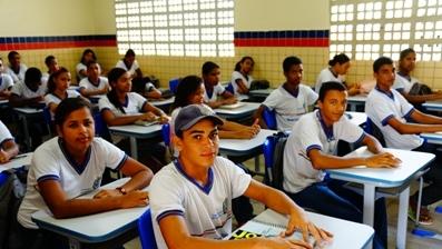 Na Escola Maria Gayão, em Araçoiaba, as salas de aula ganharam reforma. O projeto ainda apoiou a construção de uma biblioteca, um laboratório de informática e um refeitório. (Banco Mundial/Mariana Ceratti).