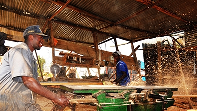 Carpentry workshop in Rwanda is more productive with electricity