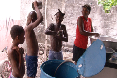 &#67&#104&#105&#108&#100&#114&#101&#110&#32&#119&#97&#115&#104&#105&#110&#103&#32&#117&#112&#32&#105&#110&#32&#72&#97&#105&#116&#105