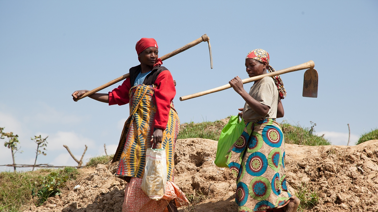 &#82&#119&#97&#110&#100&#97&#110&#32&#119&#111&#109&#101&#110&#32&#102&#97&#114&#109&#101&#114&#115