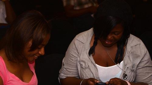 Young Jamaicans discovering opportunities on the Web. Photo: @digitaljam2