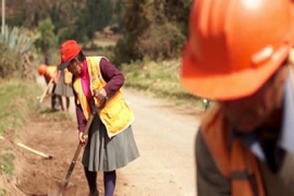 &#65&#32&#119&#111&#109&#97&#110&#32&#102&#114&#111&#109&#32&#67&#117&#122&#99&#111&#44&#32&#105&#110&#32&#80&#101&#114&#117&#44&#32&#112&#101&#114&#102&#111&#114&#109&#105&#110&#103&#32&#114&#111&#97&#100&#32&#109&#97&#105&#110&#116&#101&#110&#97&#110&#99&#101&#32&#97&#99&#116&#105&#118&#105&#116&#105&#101&#115&#46