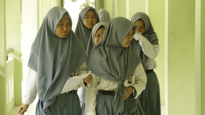 School girls in Jakarta. Photo: Achmad