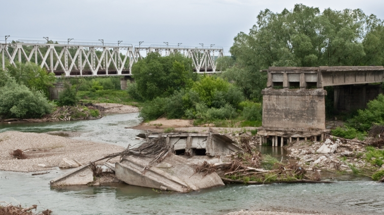 Bridge destroyed - specnaz | shutterstock.com
