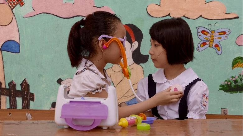 Vietnamese Deaf children pursue their dreams through learning sign language