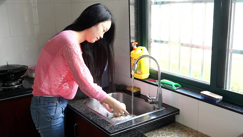 Better sanitation improves everyday life and economy for China's rural residents