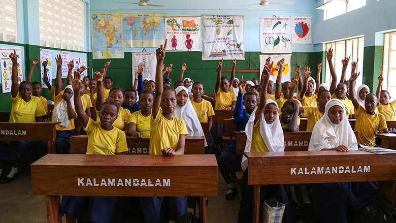 Jim Kim Visits One of Tanzania's Top Performing Primary Schools