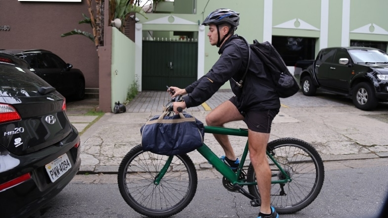 In Brazil, cyclists are a part of the future of logistics