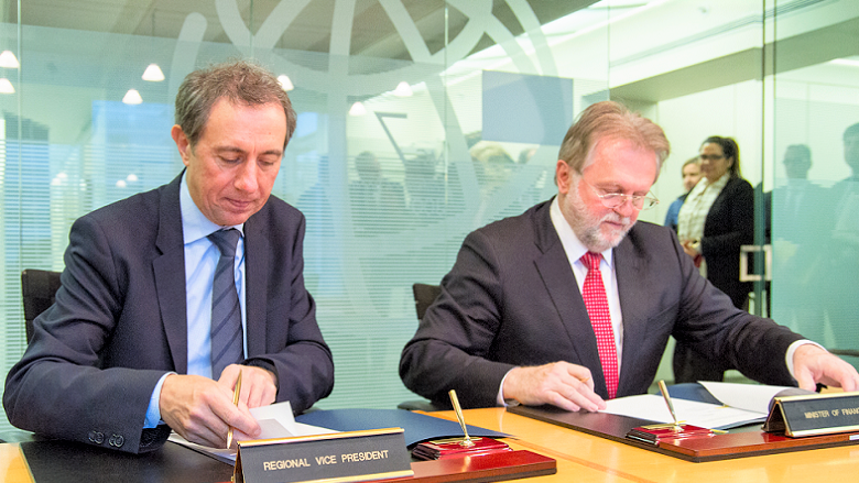 Serbia and World Bank Sign Three Agreements