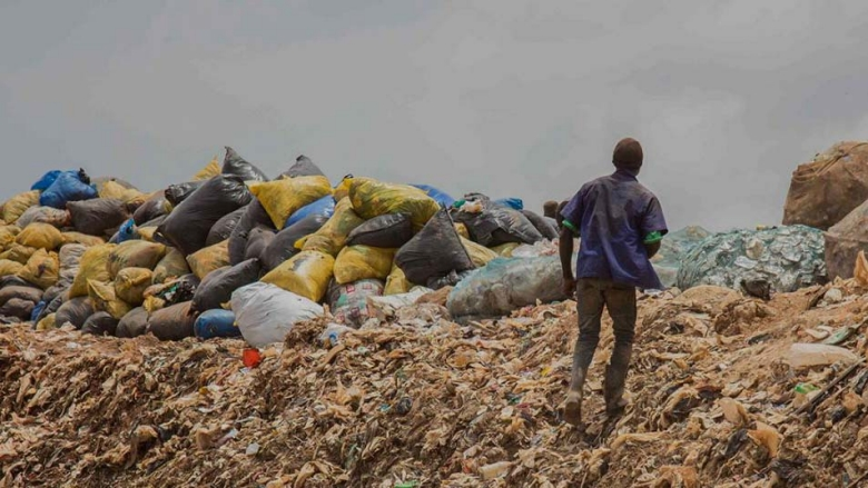 The Kiteezi landfill near Kampala was expanded as part of the Kampala Institutional Infrastructure Development Project, allowing for the storage and treatment of waste collected in the city. © Sarah Farhat/World Bank