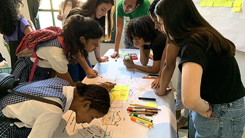 Residents of Barranquilla creating sketches during the Urban Design Sketchbook Workshop
